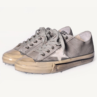 golden goose v-star suede